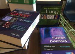 Koleksi Buku Perpustakaan Pulmoua